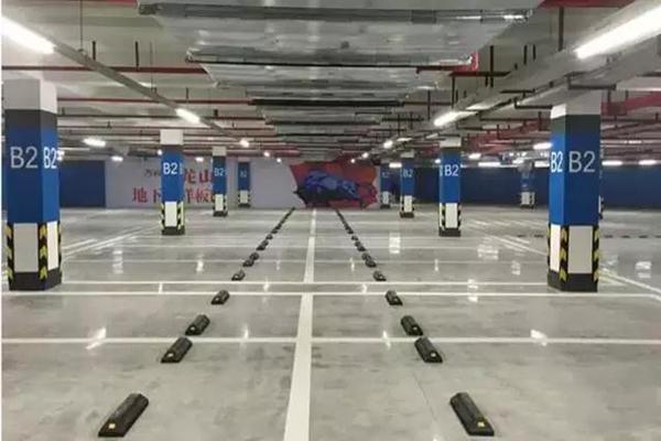混凝土固化剂_停车场地面——密封固化地坪解决方案