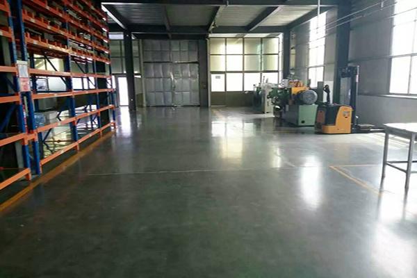 山东巨匠新能源车间地面——迪乐堡密封固化地坪