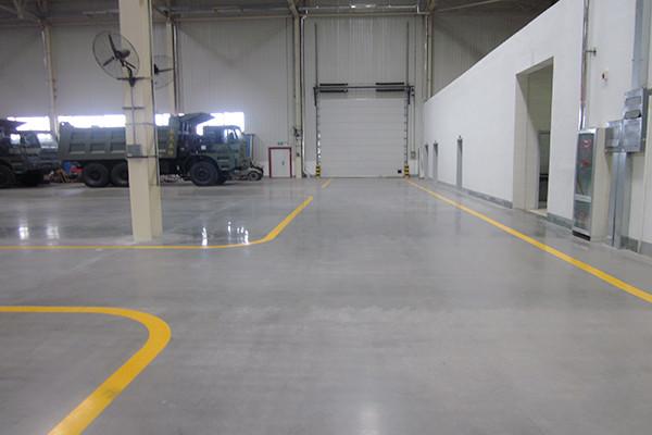 泰安特种车车间地面——迪乐堡密封固化地坪