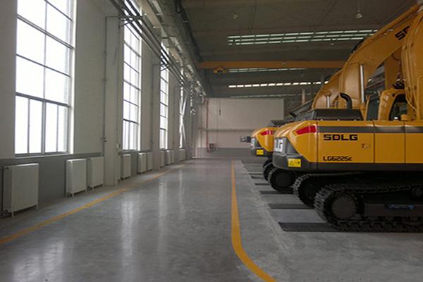 山东临工工程机械车间地面——迪乐堡密封固化地坪