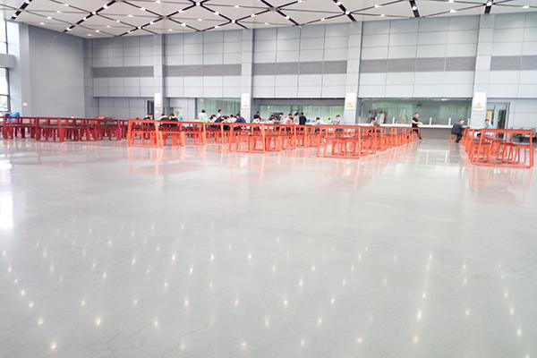 华勤通力餐厅地面——迪乐堡致密钢化地坪